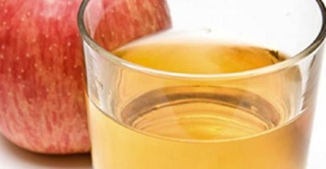 Il succo di mela è un potente antitumorale, uno studio del CNR spiega il perché.