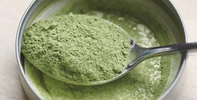 Ha 30 volte più vitamina A delle carote, 50 volte più ferro degli spinaci, 6 volte più proteine del tofu… Scopriamo le fantastiche proprietà della Spirulina.