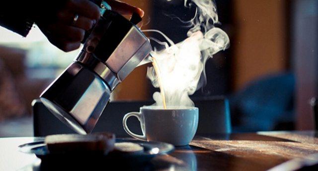 Caffé – se rinunciate a cialde e capsule per la classica Moka risparmiate almeno 250 Euro l'anno!