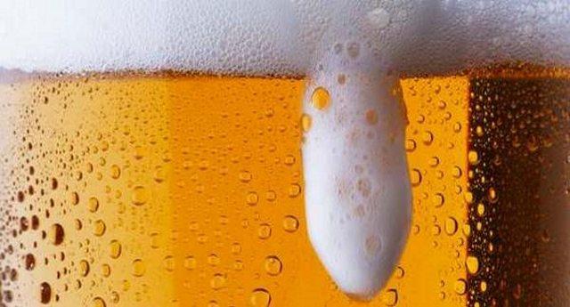 Tumori: nel luppolo della birra l'arma che aiuterà a contrastare il cancro?