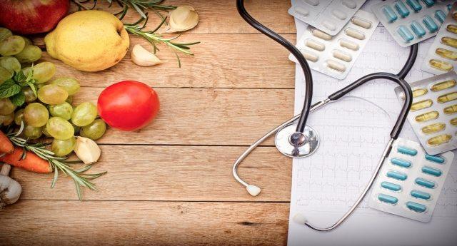 """Da """"Il Salvagente"""" tutti gli abbinamenti tra alimenti e farmaci assolutamente da evitare."""