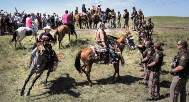 La guerra sconosciuta dei Nativi Americani contro i colossi petroliferi