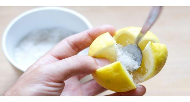 Le fantastiche proprietà del limone fermentato e la semplicissima ricetta per farlo in casa…