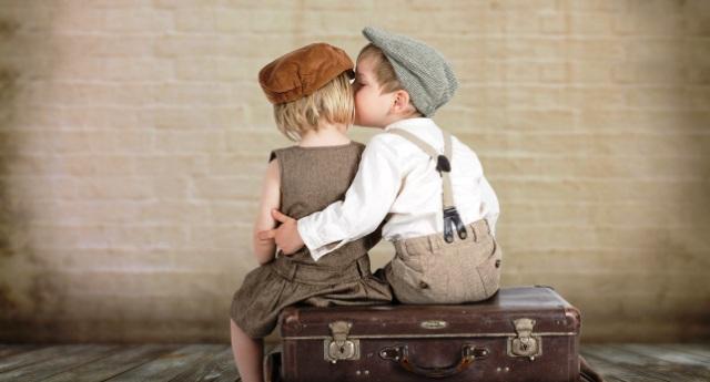 I poteri di un bacio sulla salute: aiuta contro la depressione, immunizza e… fa dimagrire