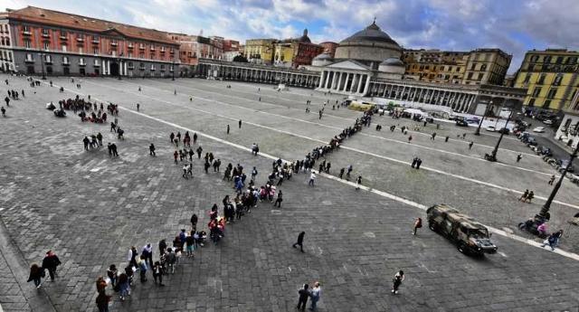 Le notizie che ci piace dare – Il grande cuore di Napoli, tutti in fila al Plebiscito per salvare il piccolo Alex…