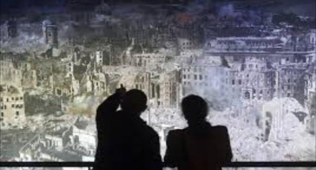 13-15 febbraio 1945, il bombardamento angloamericani di Dresda – Un'azione concepita e condotta per uccidere esclusivamente civili – Un crimine di guerra che fece più vittime della bomba atomica…!