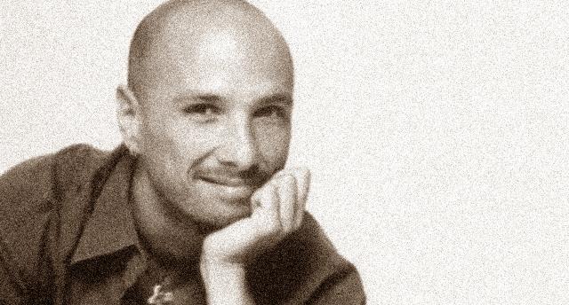 """""""Cambiare"""": Nasce la stella di Alex Baroni – Una stella brillantissima che, per un tragico incidente, si è spenta troppo presto… Il 13 aprile 2002 moriva Alex Baroni."""